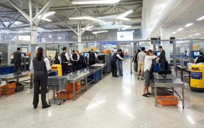 Αυξημένα μέτρα ασφαλείας στα ελληνικά αεροδρόμια για όσους ταξιδεύουν από και προς χώρες εκτός Σένγκεν