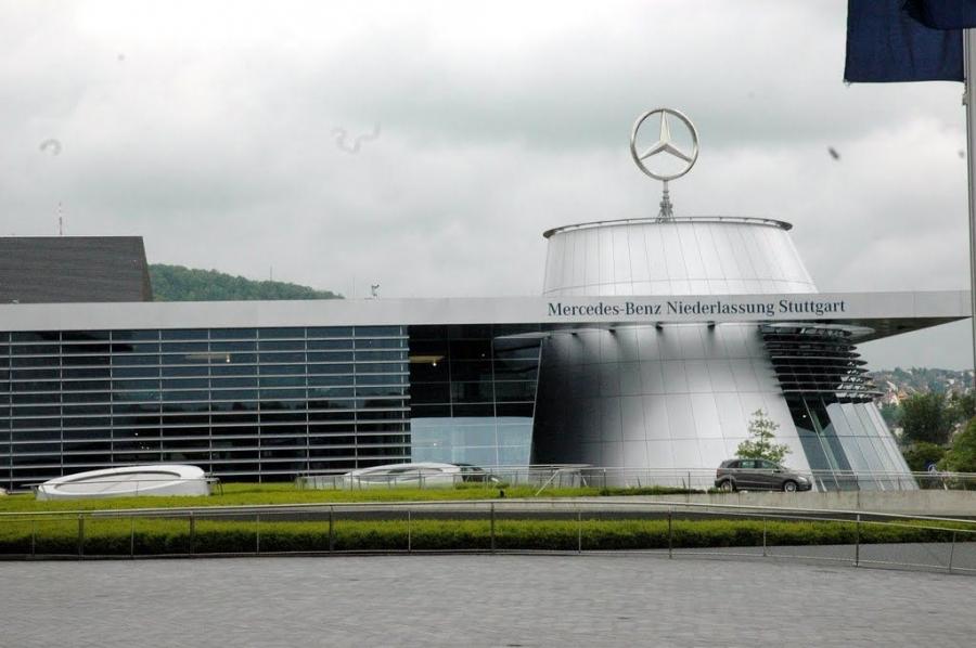 Mercedes-Benz: Επενδύει 47 δισ. δολάρια με στόχο την παραγωγή πλήρως ηλεκτρικών αυτοκινήτων μέχρι το 2030