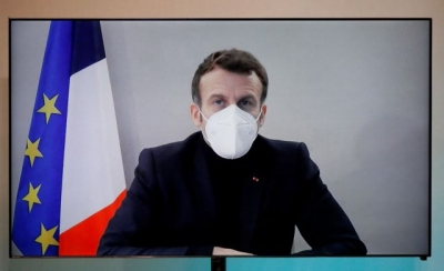 Macron: Ενίσχυσε το γερμανικό «όχι» στο εμβόλιο της AstraZeneca λίγες ώρες πριν το εγκρίνει η ΕΕ