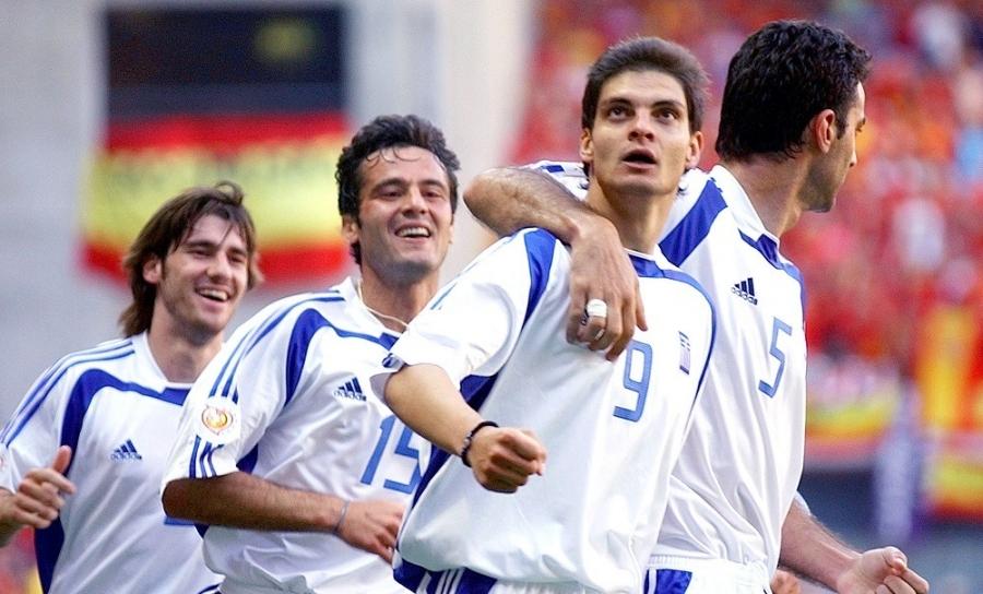 Όταν το γκολ του Χαριστέα στην Ισπανία άνοιξε διάπλατα τον δρόμο για τα νοκ-άουτ του Euro 2004