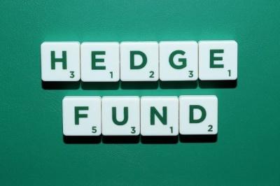 Γιατί επί 7 μήνες 3 hedge funds επιμένουν short με 67 εκατ μετοχές στις ελληνικές τράπεζες; - Ποντάρουν στο χάος των ΑΜΚ
