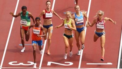 Απίστευτη θέληση από τη Χασάν: Έπεσε στον τελευταίο γύρο των 1500 μέτρων, αλλά εν τέλει κέρδισε!