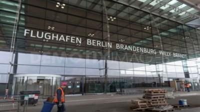 Γερμανία: Εγκαινιάστηκε το νέο αεροδρόμιο του Βερολίνου μετά από 9 χρόνια καθυστέρησης και σκάνδαλα μαμούθ