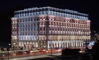 ΛΑΜΨΑ: Διαψεύδει τις πληροφορίες για πώληση του ξενοδοχείου Μεγάλη Βρεταννία