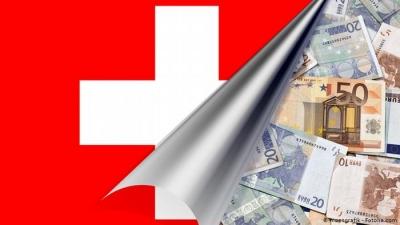 Οι Γερμανοί εκατομμυριούχοι μεταφέρουν τα λεφτά τους στην Ελβετία ενόψει εκλογών