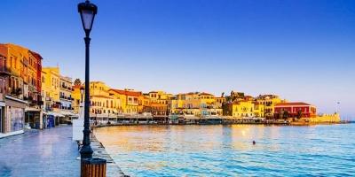 Η Κρήτη άρχισε να υποδέχεται τους πρώτους της επισκέπτες - Δέκα χιλιάδες εκτιμάται ότι θα φτάσουν το 4ήμερο