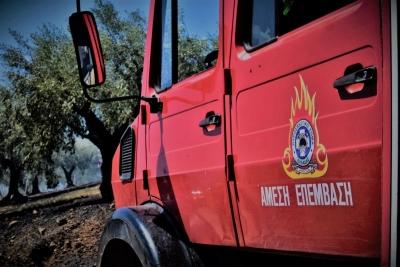 Με ελαφρά εγκαύματα τρεις πυροσβέστες που έδωσαν μάχες στους Κουρκουλούς