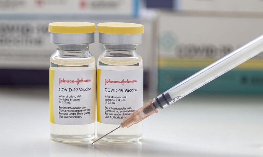 Ιταλία: Με το σκεύασμα της Johnson & Johnson ο εμβολιασμός αστέγων και μεταναστών