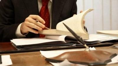 Την άμεση καταβολή του επιδόματος των 400 ευρώ ζητούν  από τον υπουργό Εργασίας 9 επιστημονικοί σύλλογοι