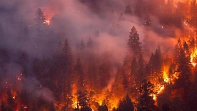 Πυρκαγιά στην Καλιφόρνια: Περίπου 180.000 άνθρωποι κλήθηκαν να εγκαταλείψουν τα σπίτια τους