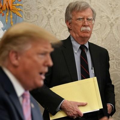 Bolton για Trump: Είναι «άχρηστος», «ανεπαρκής για τον Λευκό Οίκο», «υποχείριο του Erdogan»
