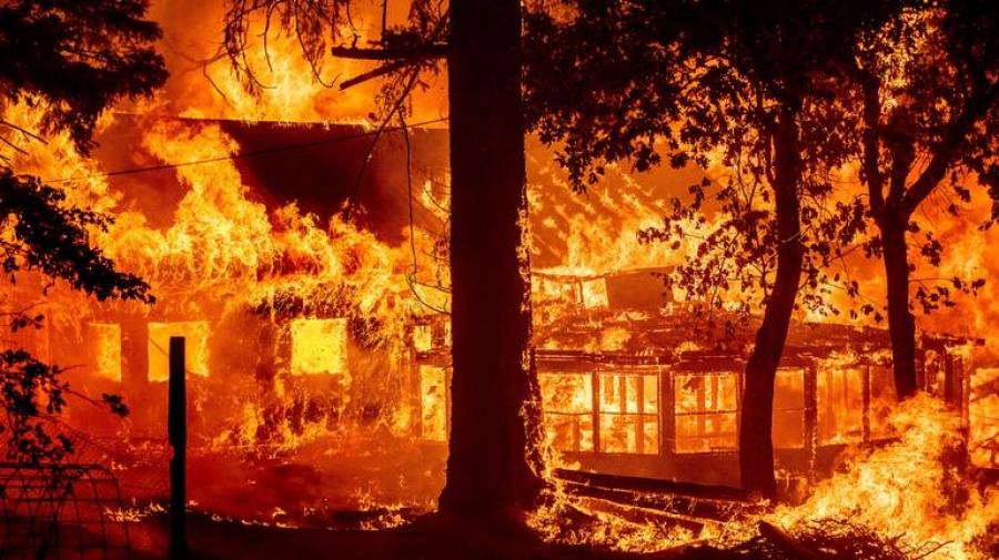 ΗΠΑ: Πύρινη λαίλαπα στην Καλιφόρνια - Απομακρύνθηκαν πάνω από 8.400 κάτοικοι