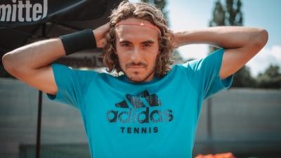 Τσιτσιπάς: «Να επιτραπεί το κοουτσάρισμα στο τένις»