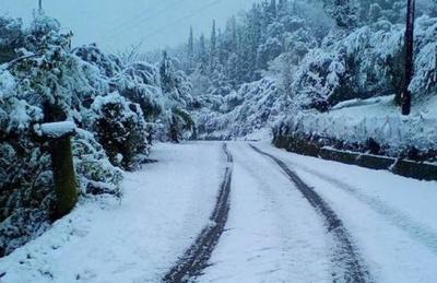 Παραμένει κλειστή η λεωφόρος Πάρνηθος - Αποκαταστάθηκε η κυκλοφορία των οχημάτων σε  δρόμους της Αττικής