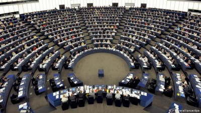 Η γερμανική προεδρία του Ευρωπαϊκού Συμβουλίου αυξάνει την πίεση στο Ευρωκοινοβούλιο για την έγκριση των 1,8 τρισ. ευρώ