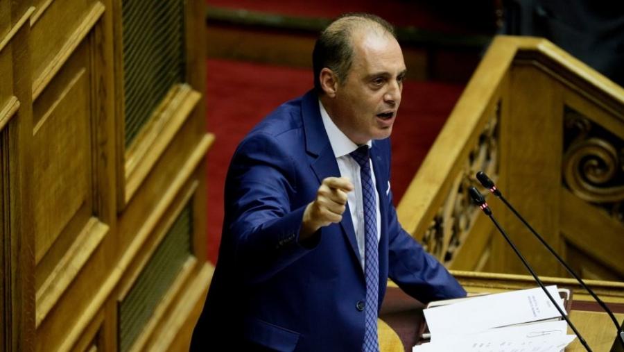 Βελόπουλος: Αν μεγαλώνατε την Ελλάδα έστω και κατά ένα εκατοστό, θα ψηφίζαμε τη συμφωνία