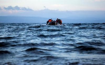 Μυτιλήνη: Πλαστική βάρκα με 27 Αφρικανούς έπλεε ακυβέρνητη - Επέμβαση πλοίου του Πολεμικού Ναυτικού