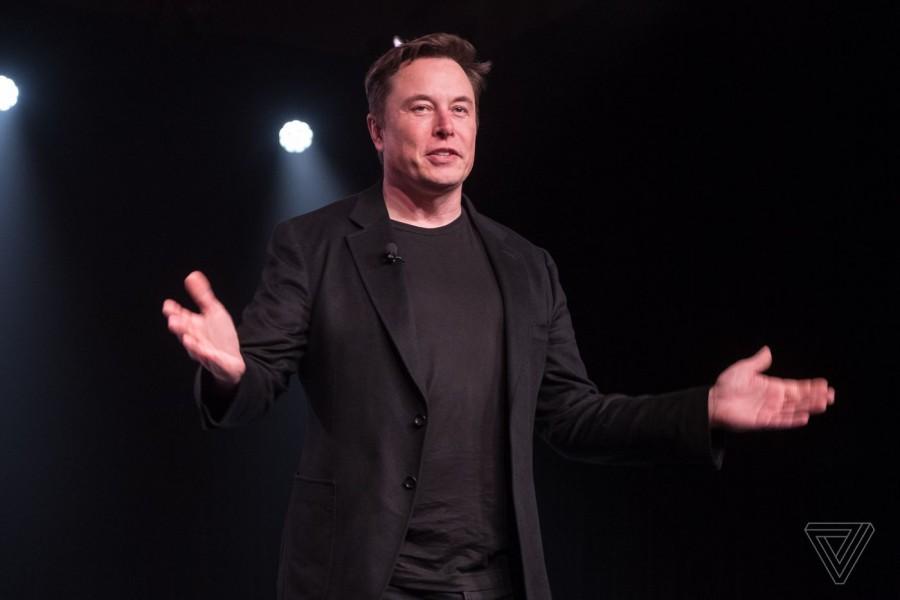 Musk (Tesla): Ανοιχτός σε προτάσεις για φιλική εξαγορά από αντίπαλες αυτοκινητοβιομηχανίες