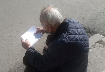 Παρέμβαση εισαγγελέα για την εγκατάλειψη ηλικιωμένου που νοσούσε από κορωνοϊό κατά την έξοδό του από το νοσοκομείο