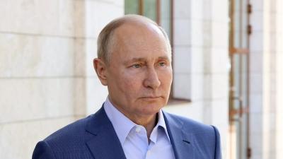 Putin: Εάν ο Lucashenko ανάγκασε σε προσγείωση την πτήση της Ryanair, τότε εμπνεύστηκε από τις ΗΠΑ