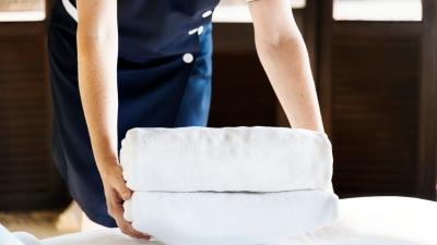 Διευκρινίσεις για επαναπροσλήψεις εποχικά εργαζομένων σε ξενοδοχεία, καταλύματα και τουριστικά λεωφορεία