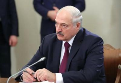 Λευκορωσία: O Lukashenko απειλεί με απολύσεις όλους όσοι συμμετέχουν στις αντικυβερνητικές διαδηλώσεις