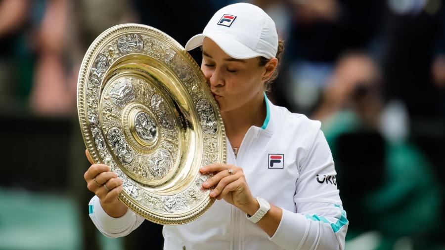 Η Μπάρτι στα χνάρια της Κόουλι: Η πρώτη Αυστραλή τενίστρια που κατακτά τον τίτλο του Wimbledon μετά από 50 χρόνια!