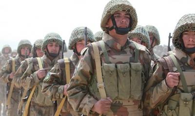 Το Τατζικιστάν στέλνει 20.000 στρατιώτες στα σύνορα με το Αφγανιστάν