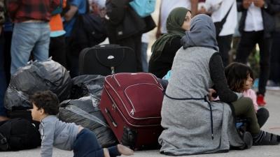 Συνεχίζεται η αποσυμφόρηση των νησιών του Αιγαίου – Στον Πειραιά 225 πρόσφυγες και μετανάστες
