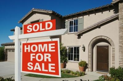 ΗΠΑ: Σε υψηλό 15 ετών εκτοξεύθηκαν οι τιμές των κατοικιών το Φεβρουάριο
