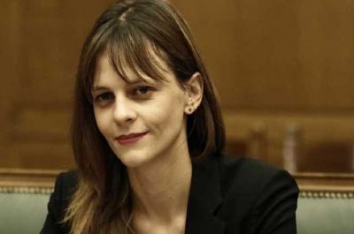 Αχτσιόγλου: Αχρείαστο δημοσιονομικά το μέτρο της μείωσης του αφορολόγητου
