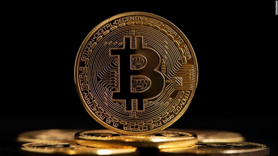 Bitcoin: Αδυναμία να διασπάσει τα 56.000 δολ. - JP Morgan: Γιατί οι θεσμικοί επιστρέφουν στα κρυπτονομίσματα
