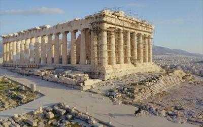 Politico: Στα ύψη η αντιπαράθεση από τις εργασίες αποκατάστασης της Ακρόπολης