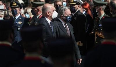 Λιποθύμησε ο Γιώργος Κατρούγκαλος στην κηδεία της Φώφης Γεννηματά