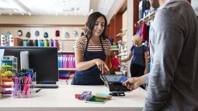 Με visa πραγματοποιήθηκαν 1 δισ. επιπλέον ανέπαφες πληρωμές - Ενισχύεται η εμπιστοσύνη των καταναλωτών