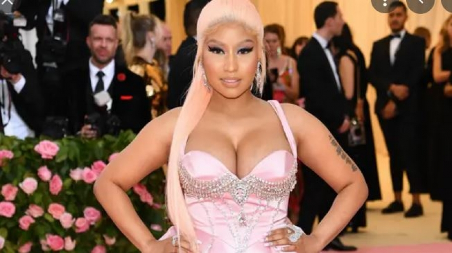 Nicki Minaj: Το εμβόλιο κατά του κορωνοϊού προκαλεί πρήξιμο των όρχεων και ανικανότητα