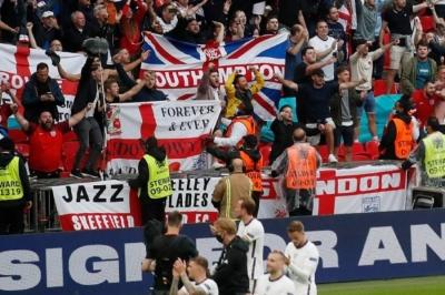 «Τρελάθηκαν» οι Άγγλοι μετά την πρόκριση επί της Γερμανίας (video)