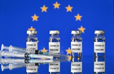 EE: Δεν θα ανανεώσει τα συμβόλαια για εμβόλια των Johnson&Johnson και AstraZeneca