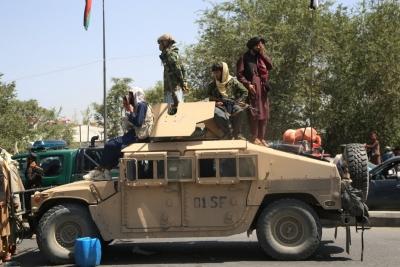 """Οι ΗΠΑ """"ξέχασαν"""" όπλα αξίας 25 δισ. στο Αφγανιστάν"""