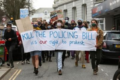 Βρετανία: Μεγάλες κινητοποιήσεις κατά του νομοσχεδίου για τον περιορισμό των διαδηλώσεων