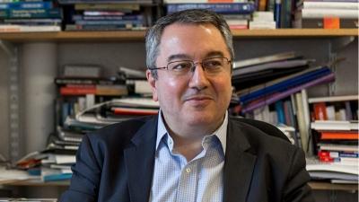 Τιμητική διάκριση στον Ηλία Μόσιαλο από την ΕΛΕΒΙΤ για τη συνεισφορά του στον χώρο της υγείας