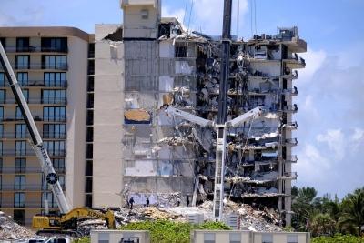 ΗΠΑ: Στους 9 οι νεκροί από την κατάρρευση πολυκατοικίας στο Μαϊάμι – Στους 150 οι αγνοούμενοι