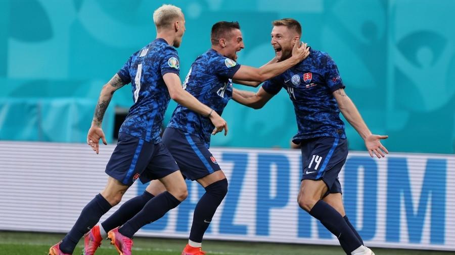 Πολωνία – Σλοβακία: Κίνηση φορ από Σκρίνιαρ και 2-1 οι Σλοβάκοι (video)