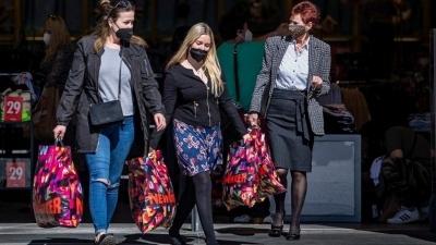 Οι Τσέχοι βγήκαν για ψώνια στα εμπορικά καταστήματα για... πρώτη φορά το 2021