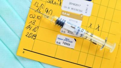 Η Handeslblatt ζητά την θέσπιση πιστοποιητικού εμβολιασμού στην Ευρώπη - τώρα