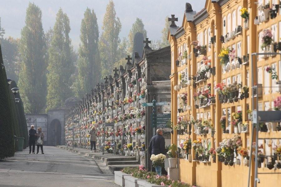 Ιταλία - Κορωνοϊός: Μαύρο ρεκόρ θανάτων ξανά, 993 άνθρωποι έχασαν τη ζωή τους