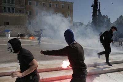 Πανεκπαιδευτικό συλλαλητήριο: Σε συλλήψεις μετατράπηκαν οι 2 προσαγωγές από τα επεισόδια στην Αθήνα