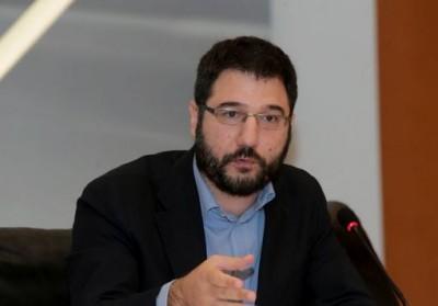 Ηλιόπουλος: Η κυβέρνηση απέτυχε να προστατέψει τον κόσμο της εργασίας από τη διασπορά του ιού