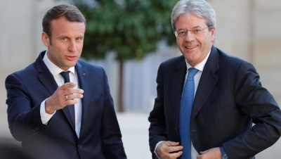 Ο Macron επαινεί τον Ιταλό πρωθυπουργό στην επίσκεψή του στην Ιταλία