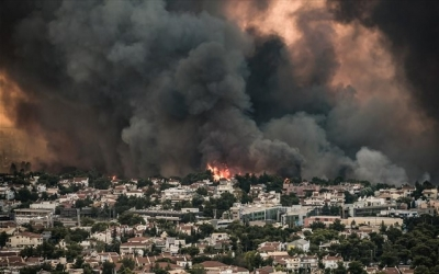 Εισαγγελική παρέμβαση για την πυρκαγιά στη Βαρυμπόμπη – Ερωτήματα για τα αίτια